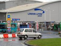 Jak dojechać z lotniska Luton do centrum Londynu?