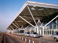 Jak dotrzeć z lotniska Stansted do centrum Londynu?