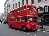 Tradycyjnym double-decker bus-em po centrum Londynu
